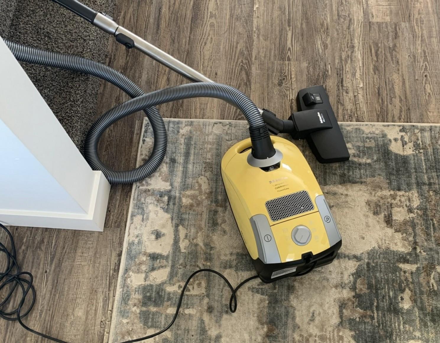 miele-vacuum-big-0